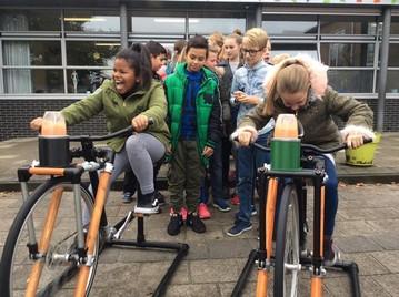 In de Aartsenfruit Smoothiecorner kun je zaterdag je eigen smoothie bij elkaar fietsen. Op…